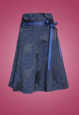 Váy gấm lưng cao